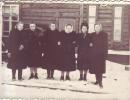 Телефонистки возле заводоуправления 1)2)3)4)5) Попова Т 6)