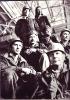 Бригада сварщиков ц9 фото выполнено примерно 1987 год в эллинге. Первый ряд 1)Белый Василий 2)Номировский Василий Кузмич (бригадир) Второй ряд 3)Котлованов Евгений 4)Кузнецов Андрей Сорокин